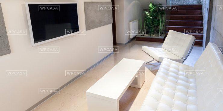 4 Bedroom Minimal Design Attic in Alnabru
